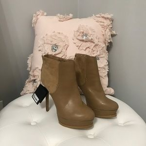 FOREVER 21 ANKLE BOOTIES - BRAND NEW